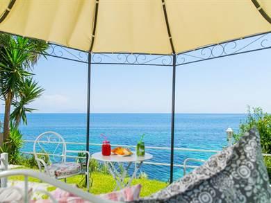 Aurora Beach Hotel
