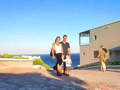 Ci siamo affidati a Juna per la nostra vacanza a Rodi e fin da subito ci ha proposto diverse soluzioni di viaggio in base alle nostre richieste.