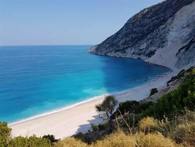 Ciao siamo stati in vacanza a Cefalonia, un'isola bellissima dai colori stupefacenti!