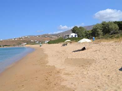 Agios Petros beach foto by www.hellas-beach.gr
