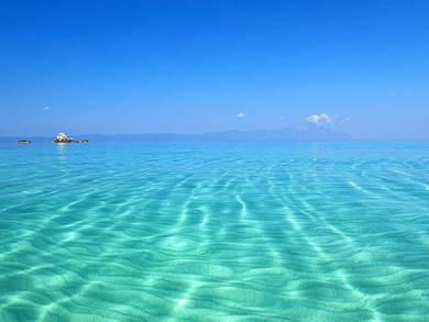 Spiaggia di Sani foto by www.discoverygreece.com