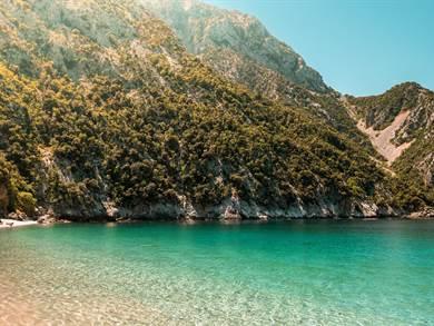 Spiaggia di Karasida foto by www.discoverygreece.com